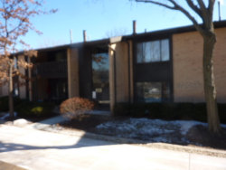 Photo of 6109 Knollwood Road, Unit Number 204, WILLOWBROOK, IL 60527 (MLS # 10272960)