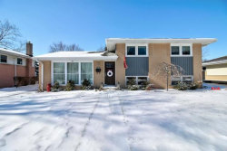 Photo of 910 N Stratford Road, ARLINGTON HEIGHTS, IL 60004 (MLS # 10273798)