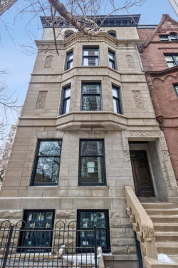 Photo of 1300 N Ritchie Court, CHICAGO, IL 60610 (MLS # 10276959)