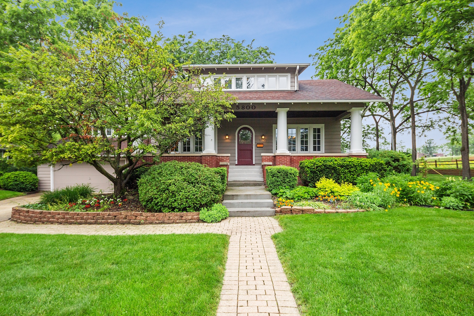 Photo for 5800 Carpenter Street, DOWNERS GROVE, IL 60516 (MLS # 10302731)