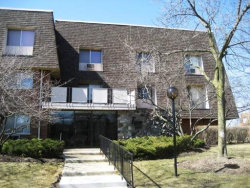 Photo of 2 Villa Verde Drive, Unit Number 100, BUFFALO GROVE, IL 60089 (MLS # 10302791)