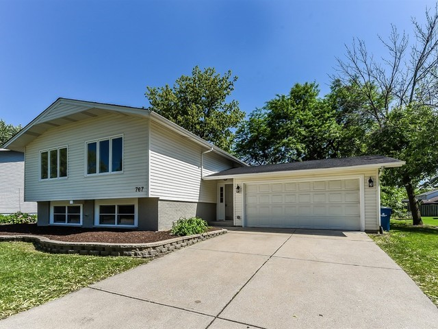 Photo for 767 72nd Street, DOWNERS GROVE, IL 60516 (MLS # 10307338)