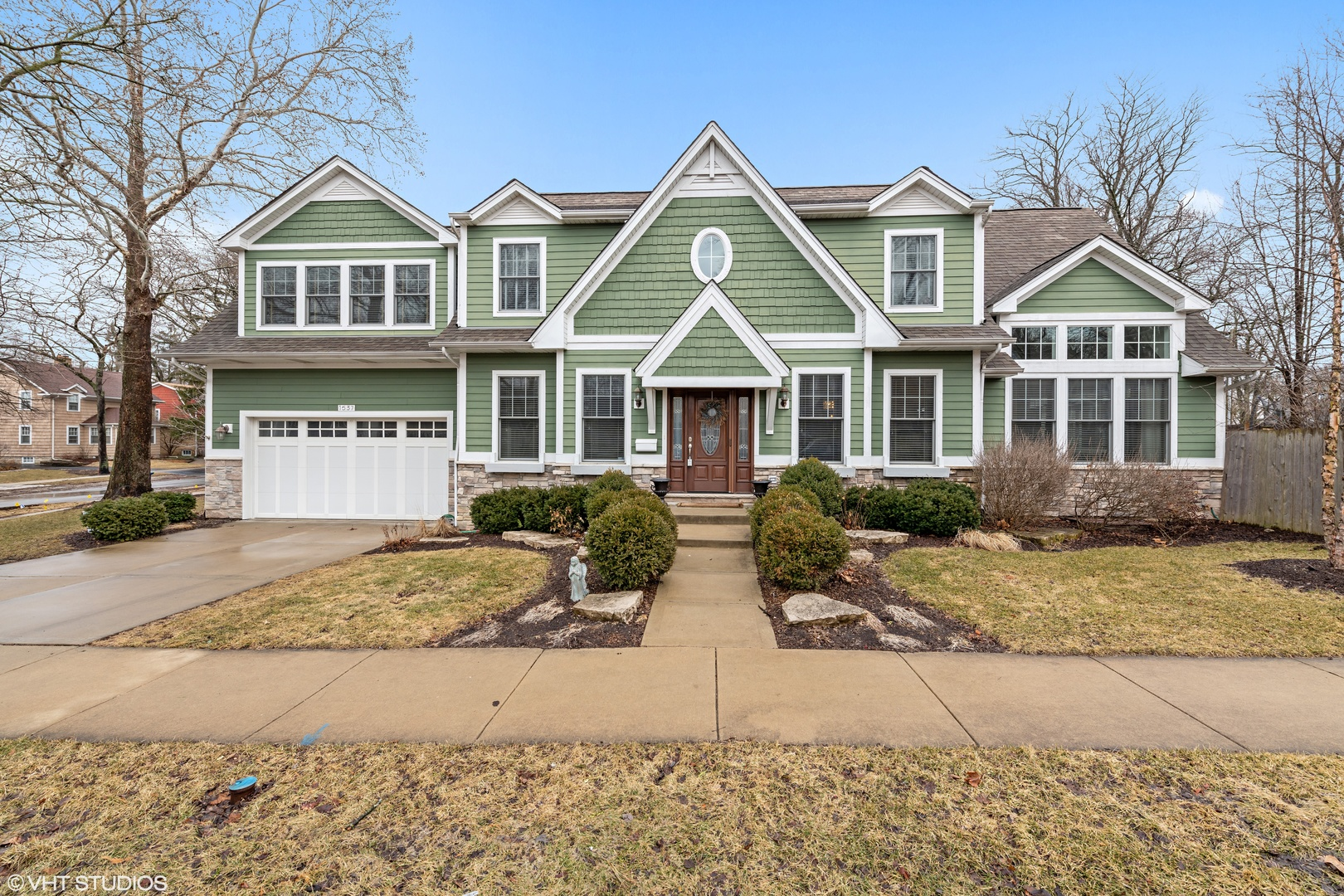 Photo for 1537 Thornwood Drive, DOWNERS GROVE, IL 60515 (MLS # 10307710)