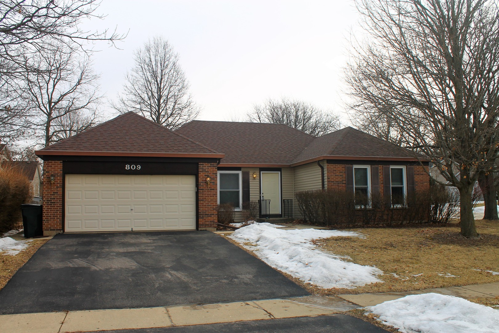 Photo for 809 Brentwood Drive, CARY, IL 60013 (MLS # 10308966)
