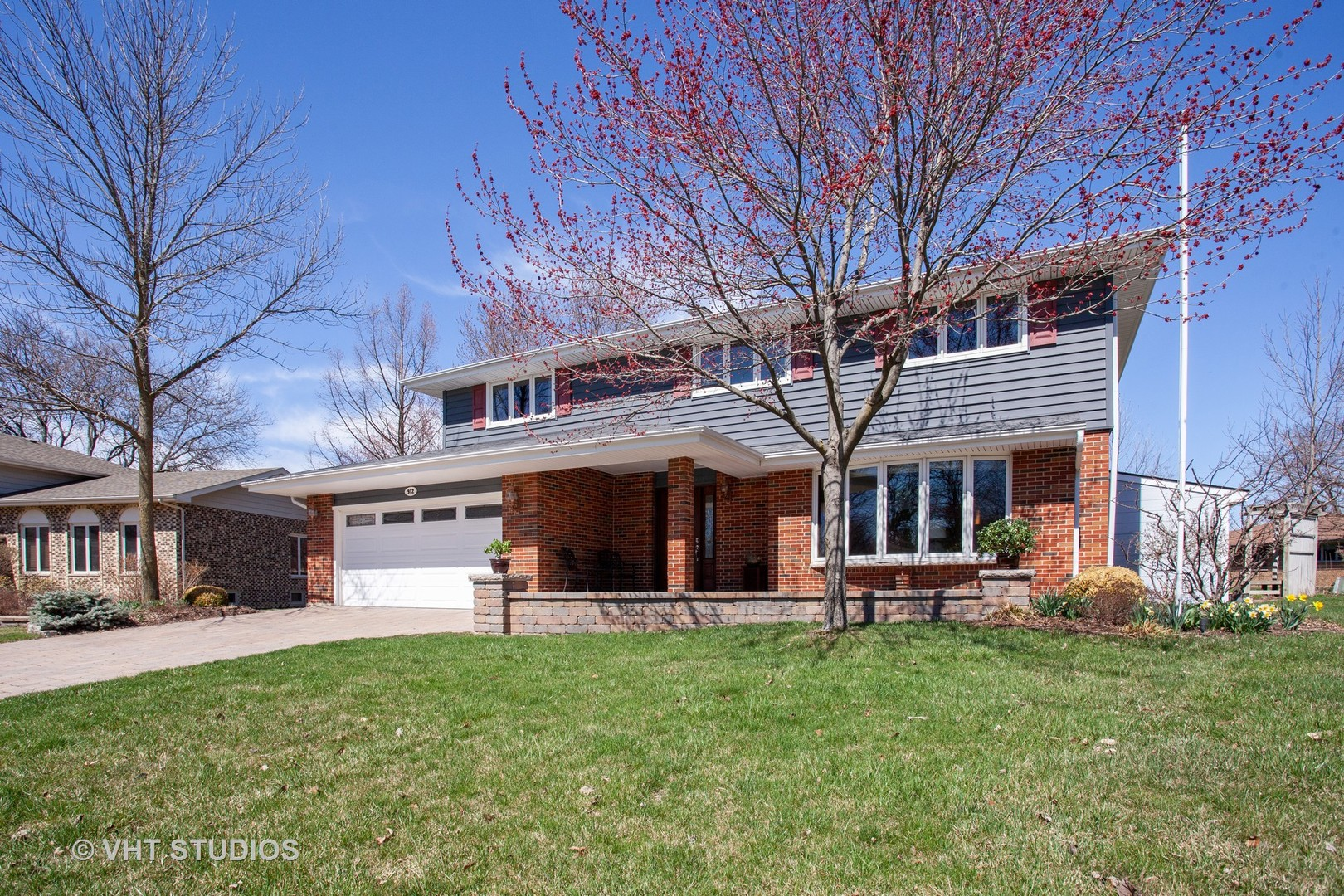 Photo for 912 Lancaster Avenue, DOWNERS GROVE, IL 60516 (MLS # 10340588)