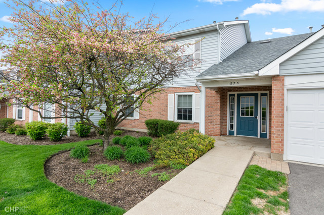 Photo for 875 Golf Course Road, Unit Number 1, CRYSTAL LAKE, IL 60014 (MLS # 10340849)
