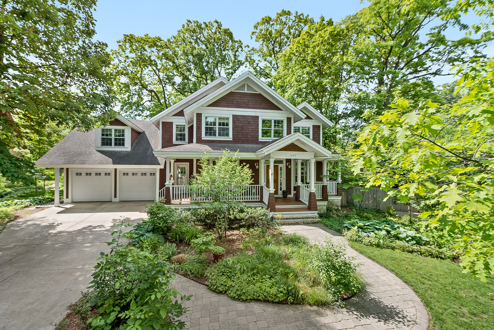 Photo for 1245 Hawthorne Lane, DOWNERS GROVE, IL 60515 (MLS # 10342528)