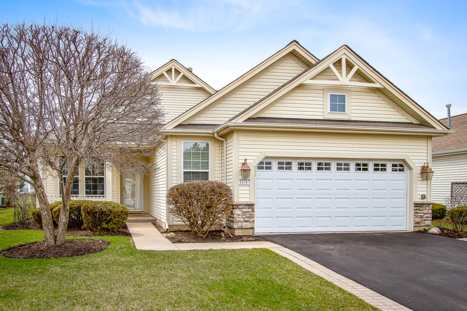 Photo for 11707 Stonewater Crossing, HUNTLEY, IL 60142 (MLS # 10343060)