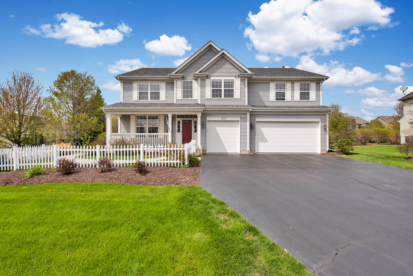 Photo for 1569 Grouse Way, CRYSTAL LAKE, IL 60014 (MLS # 10374266)