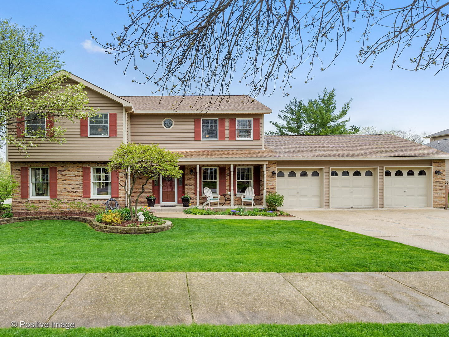 Photo for 6711 Bradley Court, DOWNERS GROVE, IL 60516 (MLS # 10374411)