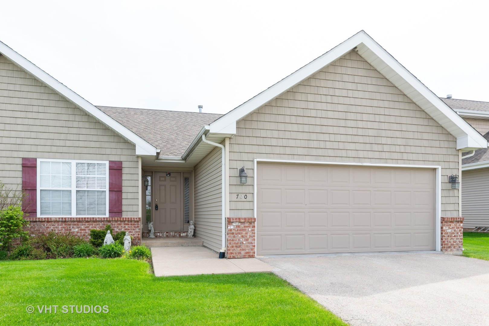 Photo for 720 Anjali Court, SYCAMORE, IL 60178 (MLS # 10381488)