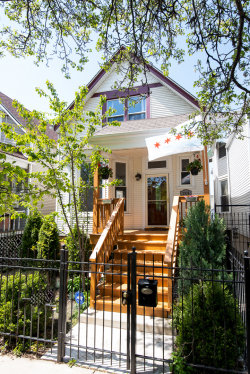 Photo of 2938 N Whipple Street, CHICAGO, IL 60618 (MLS # 10387039)