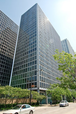 Photo of 330 W Diversey Parkway, Unit Number 504, CHICAGO, IL 60657 (MLS # 10389086)