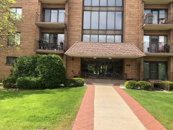 Photo of 1717 W Crystal Lane, Unit Number 402, MOUNT PROSPECT, IL 60056 (MLS # 10392204)