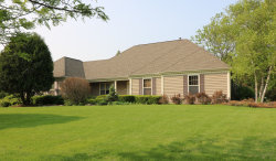 Photo of 426 Country Lane, CRYSTAL LAKE, IL 60012 (MLS # 10402376)