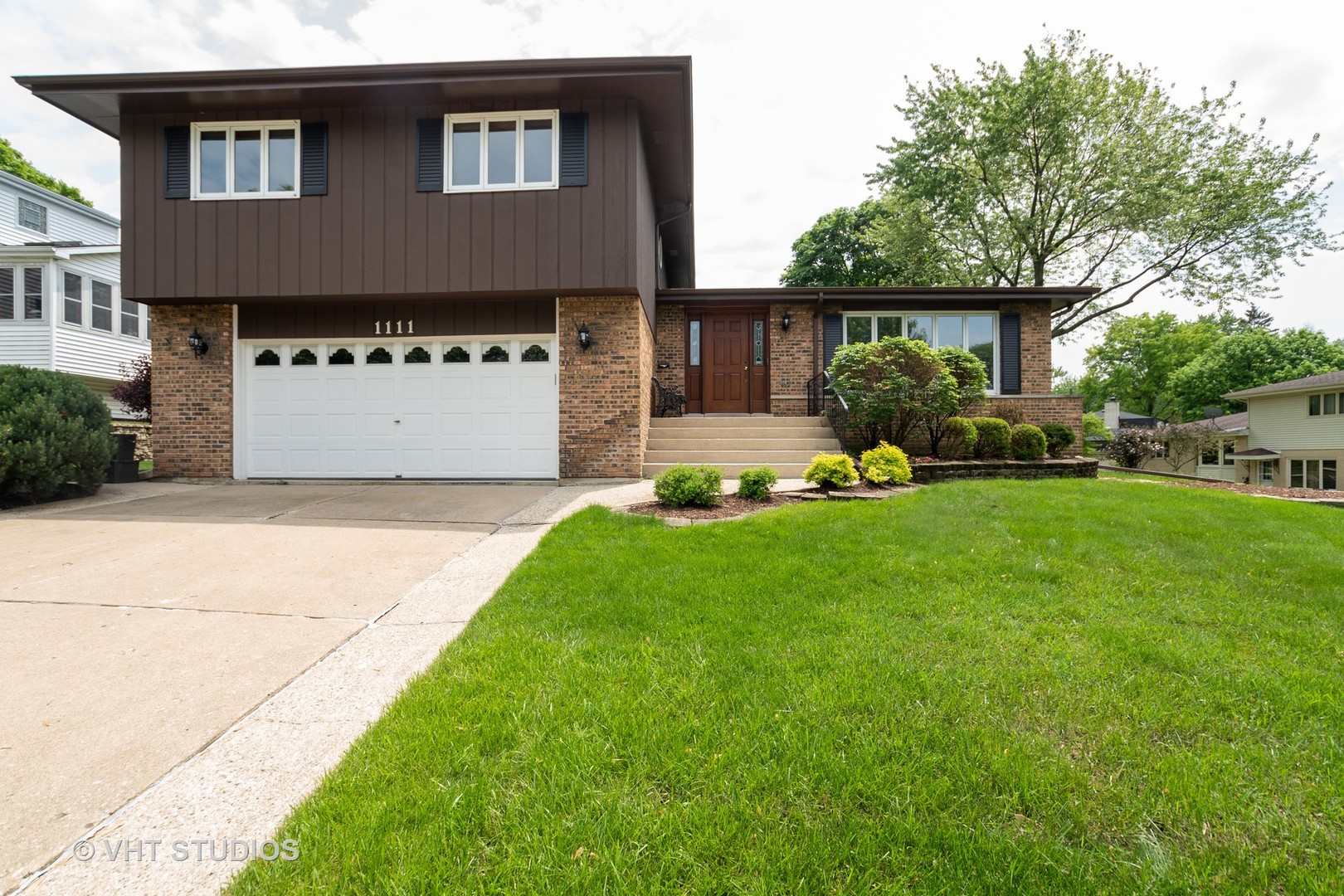 Photo for 1111 39th Street, DOWNERS GROVE, IL 60515 (MLS # 10402714)