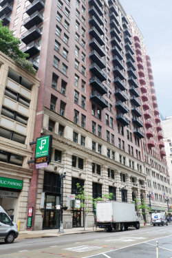 Photo of 212 W Washington Street, Unit Number 902, CHICAGO, IL 60606 (MLS # 10409836)