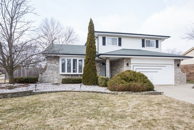 Photo for 10S530 Thames Drive, DOWNERS GROVE, IL 60516 (MLS # 10410120)