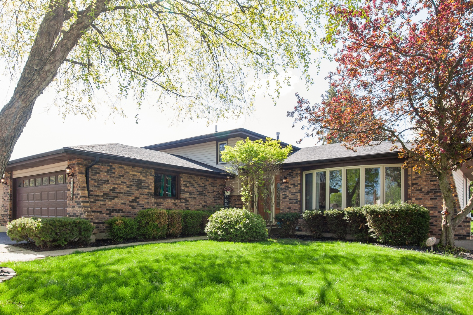 Photo for 1121 Hobart Avenue, DOWNERS GROVE, IL 60516 (MLS # 10411839)