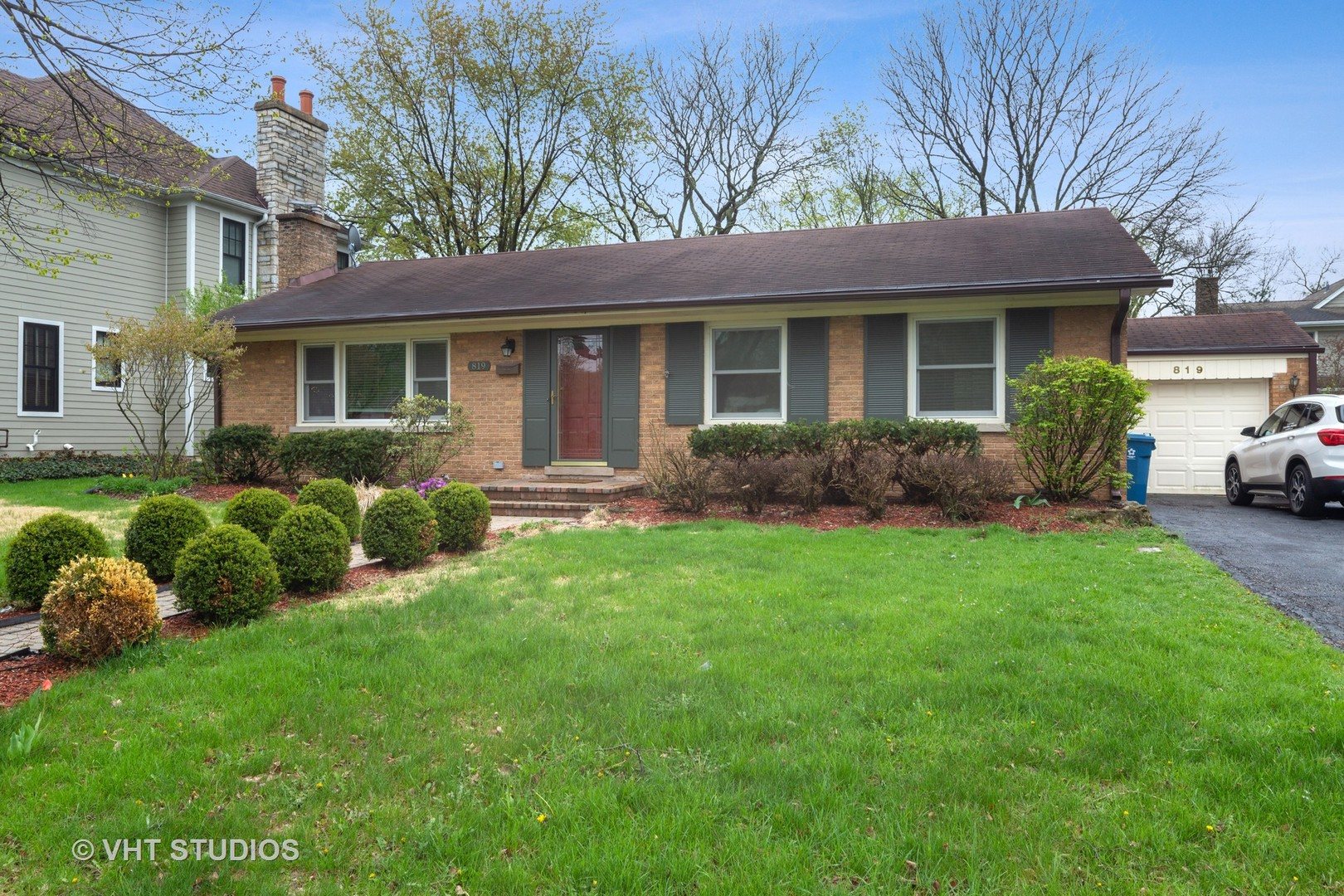 Photo for 819 Franklin Street, DOWNERS GROVE, IL 60515 (MLS # 10414083)