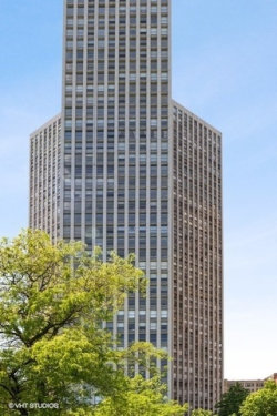 Photo of 2626 N Lakeview Avenue, Unit Number 2712-10, CHICAGO, IL 60614 (MLS # 10420273)