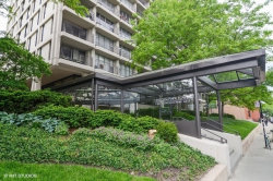 Photo of 1960 N Lincoln Park West Avenue, Unit Number 1004, CHICAGO, IL 60614 (MLS # 10422929)