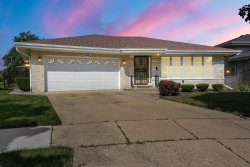 Photo of 8146 N Grand Court, NILES, IL 60714 (MLS # 10425515)