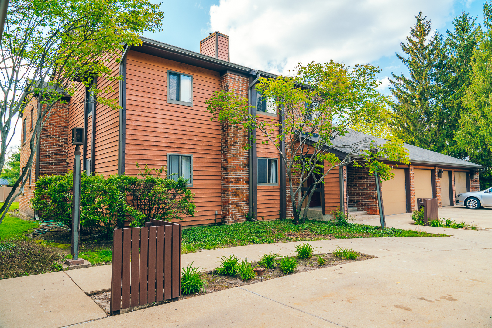 Photo for 650 Waverly Drive, Unit Number A, ELGIN, IL 60120 (MLS # 10429579)