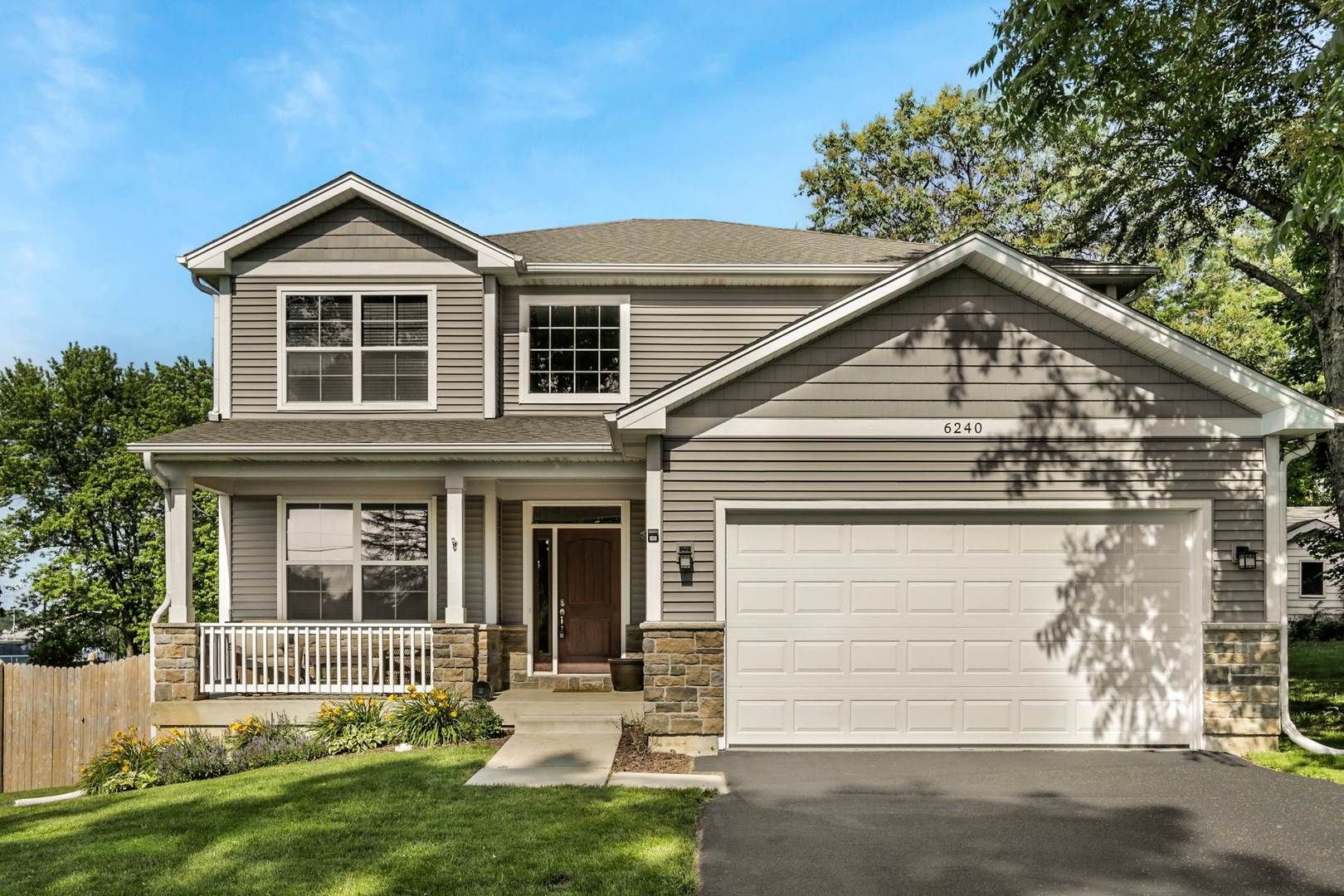 Photo for 6240 Dunham Road, DOWNERS GROVE, IL 60516 (MLS # 10442934)