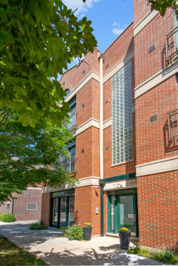 Photo of 1448 W Montrose Avenue, Unit Number 2W, CHICAGO, IL 60613 (MLS # 10443117)
