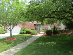 Photo of 13 Temple Garden Court, ST. CHARLES, IL 60174 (MLS # 10445595)