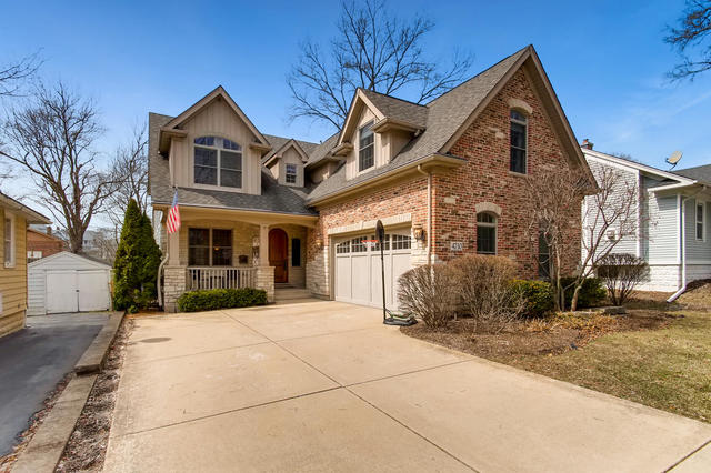 Photo for 4730 Elm Street, DOWNERS GROVE, IL 60515 (MLS # 10448138)