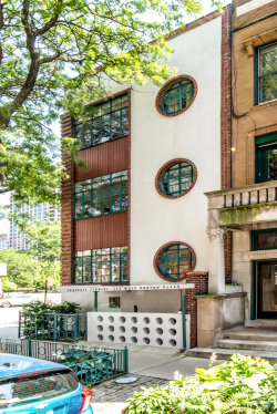 Photo of 143 W Burton Place, Unit Number 1N, CHICAGO, IL 60610 (MLS # 10448169)