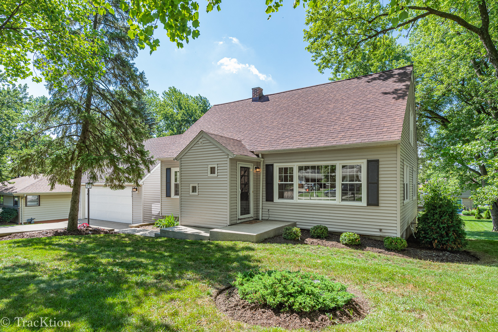 Photo for 919 Meadowlawn Avenue, DOWNERS GROVE, IL 60516 (MLS # 10448442)
