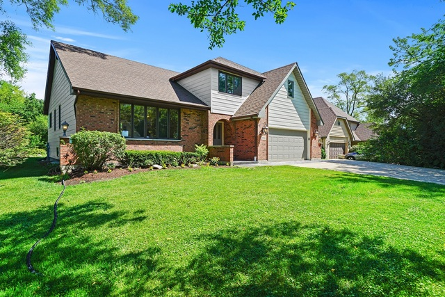Photo for 1931 55th Place, DOWNERS GROVE, IL 60515 (MLS # 10454993)