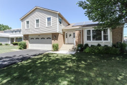 Photo of 1612 E Canterbury Drive, ARLINGTON HEIGHTS, IL 60004 (MLS # 10455091)