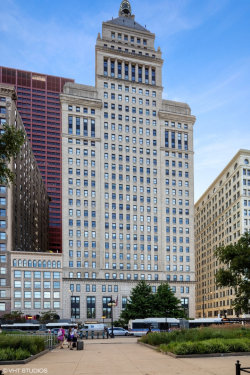 Photo of 310 S Michigan Avenue, Unit Number 902, CHICAGO, IL 60604 (MLS # 10462338)