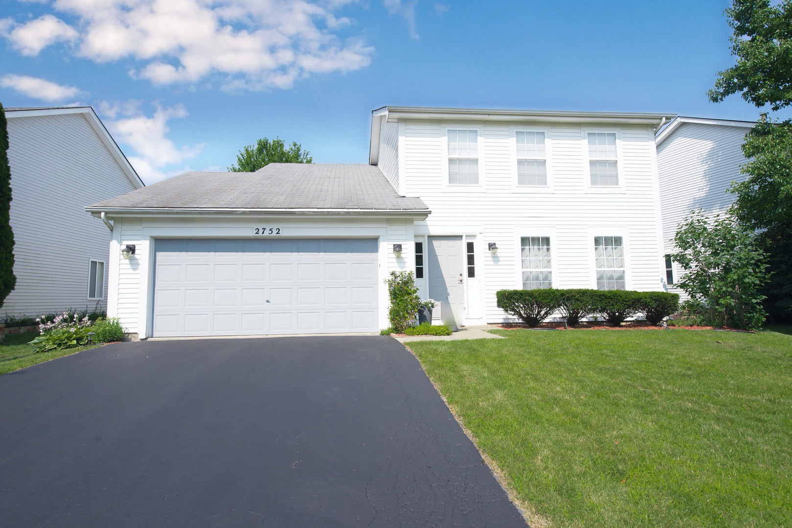 Photo for 2752 Bluewater Circle, Naperville, IL 60564 (MLS # 10464899)