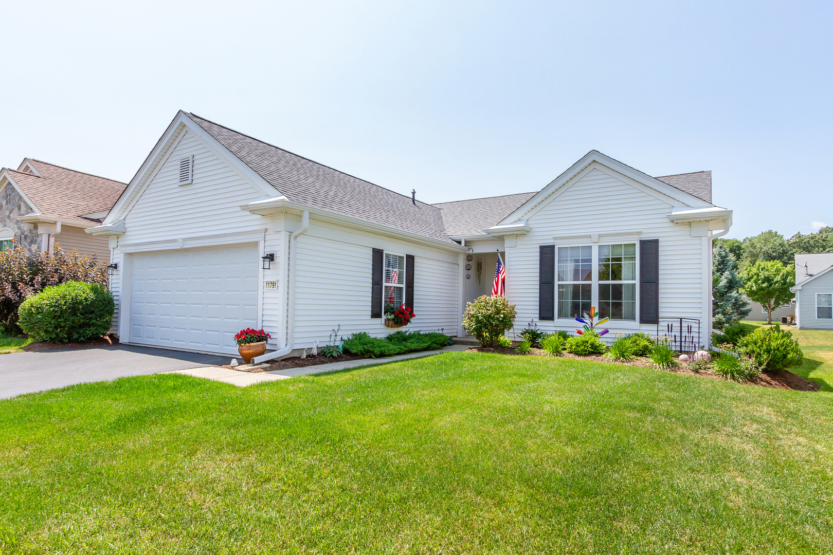 Photo for 11791 Covey Lane, HUNTLEY, IL 60142 (MLS # 10466185)