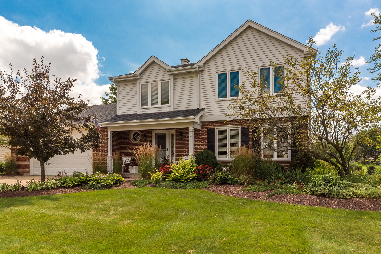 Photo for 10S316 Havens Drive, DOWNERS GROVE, IL 60516 (MLS # 10478281)