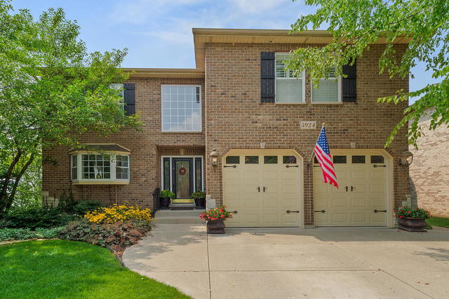 Photo for 5924 Belmont Road, DOWNERS GROVE, IL 60516 (MLS # 10478445)