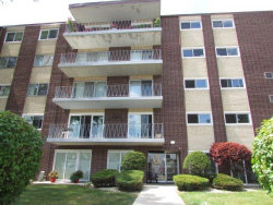 Photo of 2900 Maple Avenue, Unit Number 22B, DOWNERS GROVE, IL 60515 (MLS # 10479145)