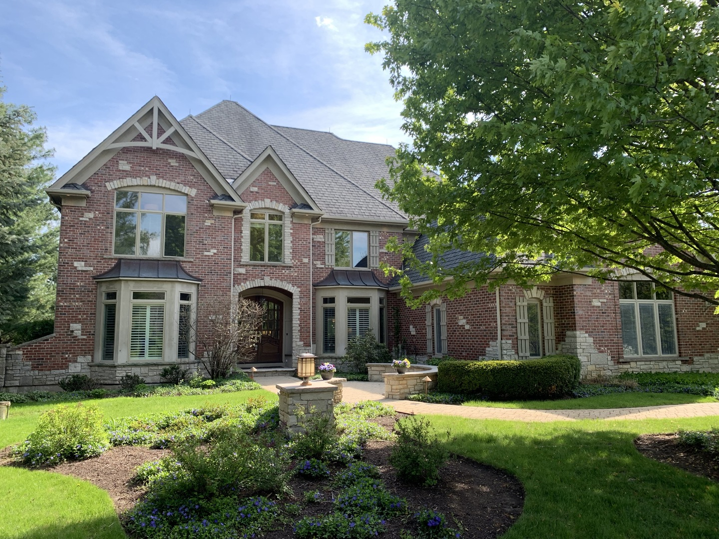 Photo for 38W565 Forest Glen Court, St. Charles, IL 60175 (MLS # 10481360)