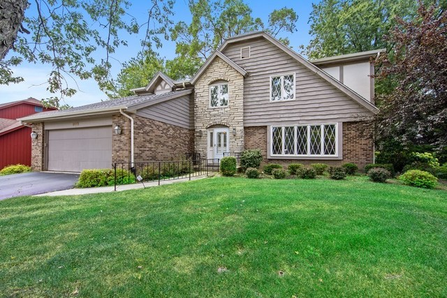 Photo for 8112 Woodcreek Court, DOWNERS GROVE, IL 60516 (MLS # 10481656)