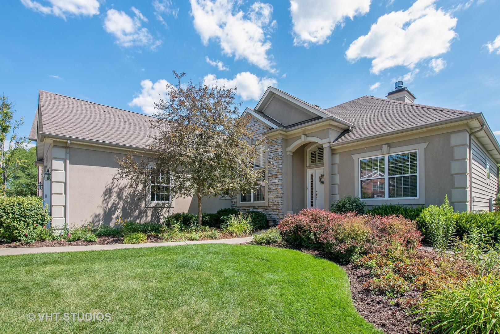 Photo for 722 Wedgewood Drive, CRYSTAL LAKE, IL 60014 (MLS # 10482178)