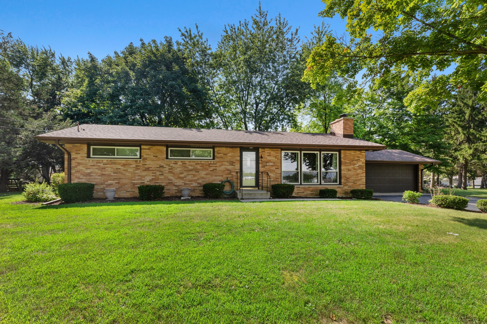 Photo for 11303 Lincoln Street, HUNTLEY, IL 60142 (MLS # 10485160)