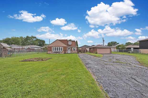 Photo for 8330 S 78th Court, Justice, IL 60458 (MLS # 10485483)