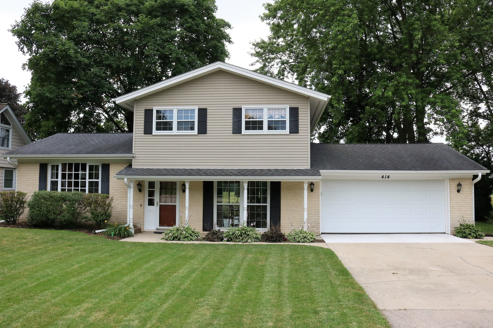 Photo for 414 Maplewood Drive, Sycamore, IL 60178 (MLS # 10485791)