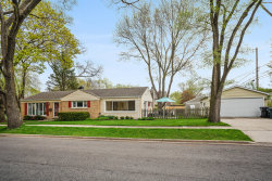 Photo of 2445 Oak Avenue, NORTHBROOK, IL 60062 (MLS # 10487447)