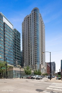 Photo of 125 S Jefferson Street, Unit Number 3008, Chicago, IL 60661 (MLS # 10491994)